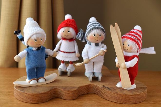 ウィンタースポーツを楽しむ、アクティブな北欧人形が新入荷しました!
