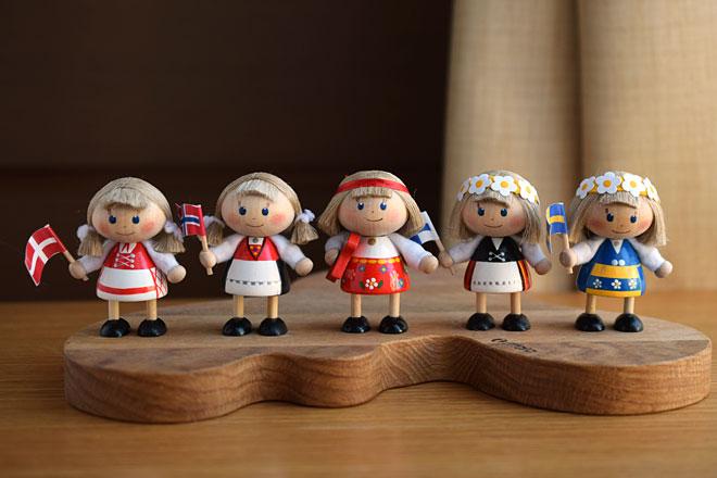 さっと飾るだけで、カンタン北欧気分!国旗が可愛いミニマム人形が届きました